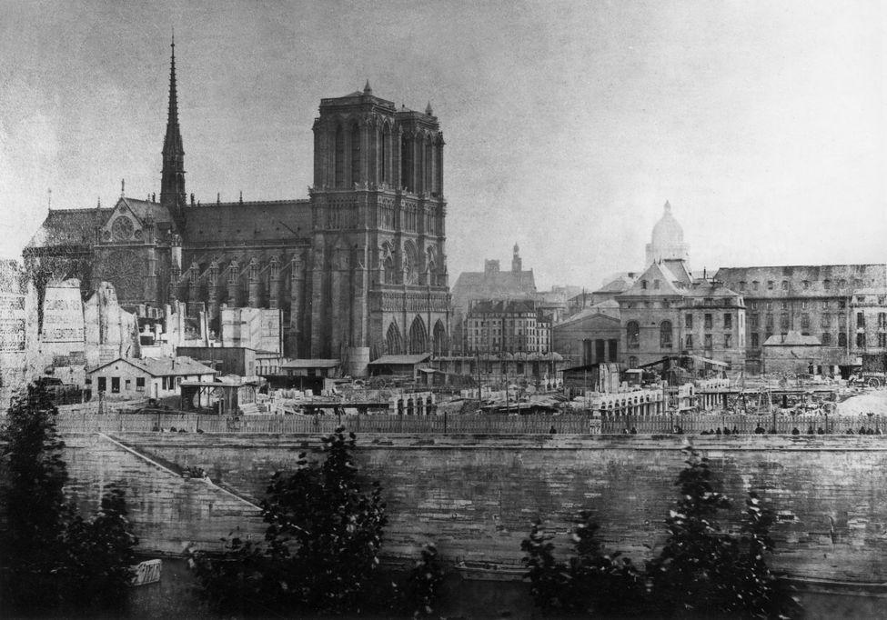 Terrible incendie de Notre Dame de Paris le 15 Avril 2019 au soir - Page 2 12117110