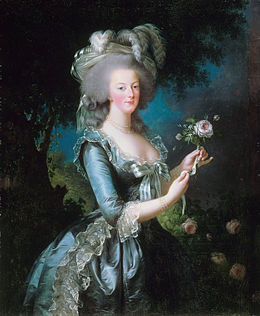 The Devil Wears A White Dress: Antoinette et la chemise  260px-10