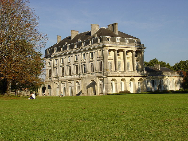 Le Château du Bouilh 800px-15