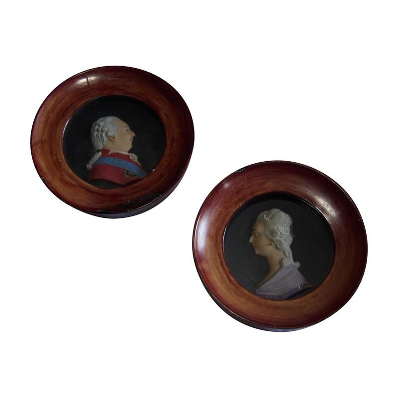 A vendre: Louis XVI et Marie Antoinette - Page 6 Img-l-10
