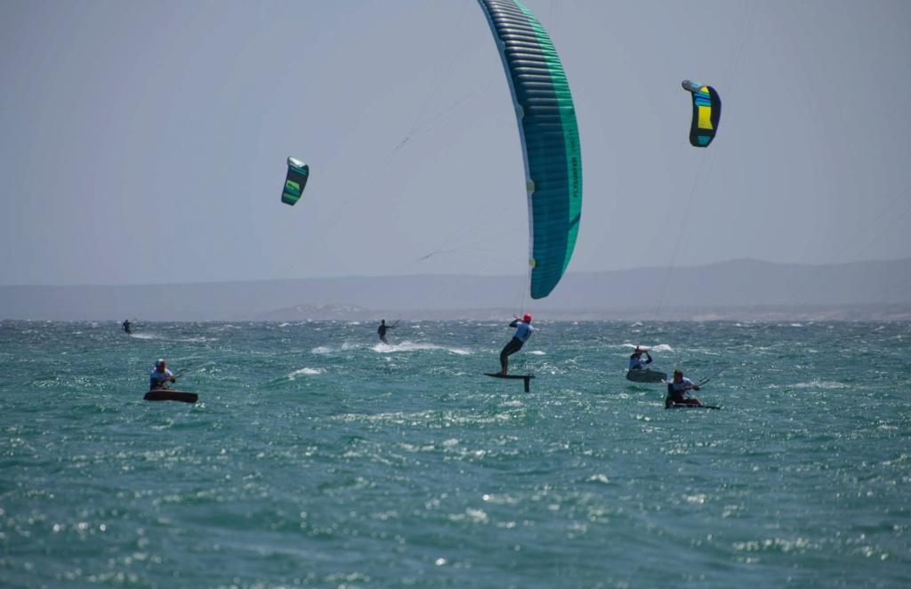 Flysurfer VMG Custom color / Sonic Race Img_2611