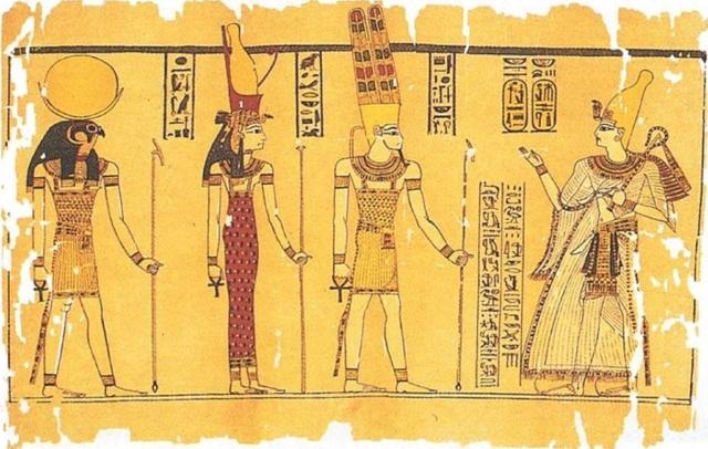 Les triades à travers les civilisations Amon_m10
