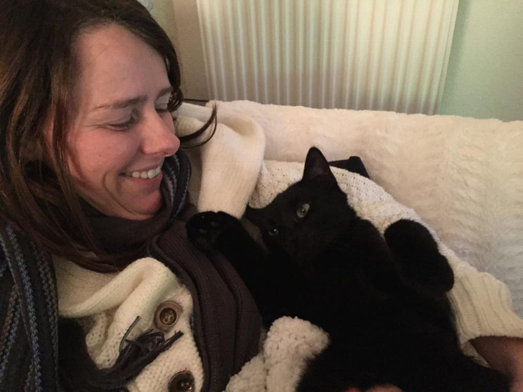 NYSSA, chatonne noire, née le 25/05/17 Afe42310