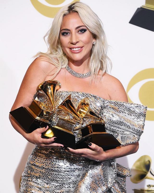 Lady Gaga - Σελίδα 37 Dz-grh10