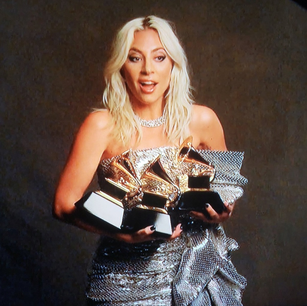 4 - Lady Gaga - Σελίδα 37 Dzgjz_10
