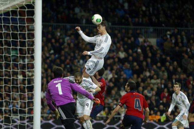 Cristiano ronaldo ha llegado a saltar como un jugador de nba con su 1.85 de estatura 1000x610