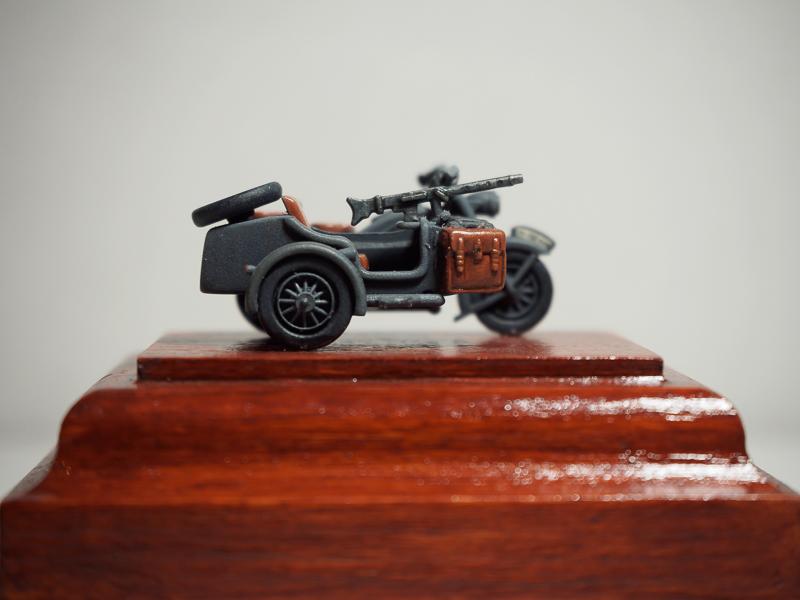 [Hasegawa] 1/72 BMW Side Car Bmw_si11