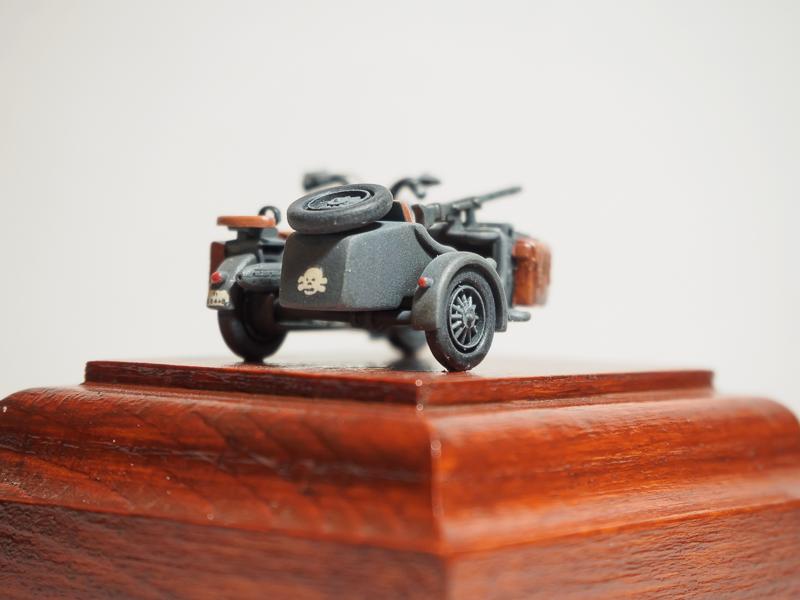 [Hasegawa] 1/72 BMW Side Car Bmw_si14