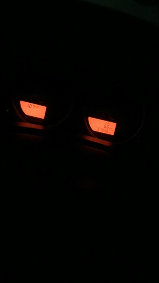 Luzes acesas do hodômetro e do relógio Frontier 2015 093c1d10