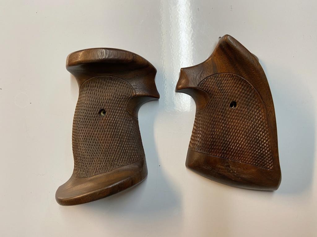 WTS - Herrett Target revolver grips (large) - SOLD F6739510
