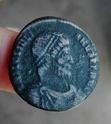 AE1 o Maiorina de Juliano II El Apóstata. SECVRITAS REIPVB. Toro estante a dcha. Arelate. 510