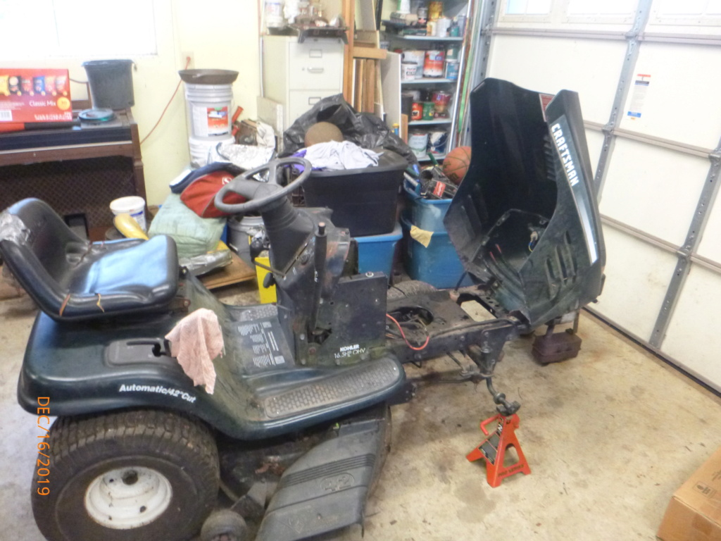 Murraymountain's Lawn Tractor Repairs - Page 7 P1140039