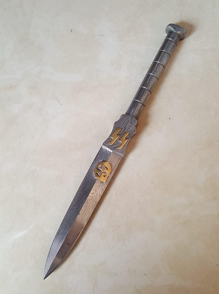Dague bizarre 57286112