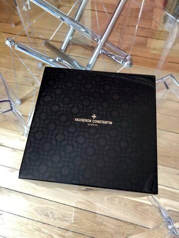 vacheron - Revue : Vacheron Constantin Overseas Chrono 5500 V «Panda» 71ab1310