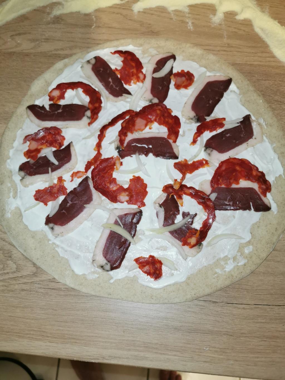 Que pensez vous de mes 2 pizzas ??? Cuisson sur pierre dans four traditionnel  Img_2024