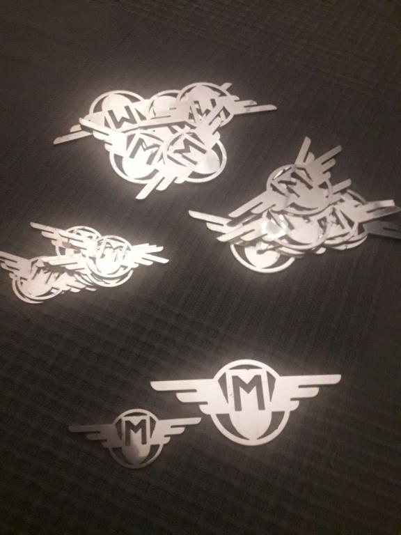 Escudos de las alitas de Mobylette 20200312