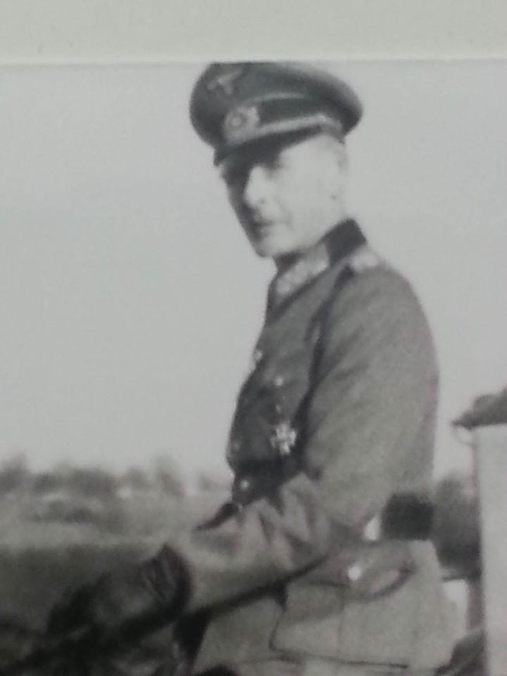 Generalleutnant Hans Schaefer  Schaef12