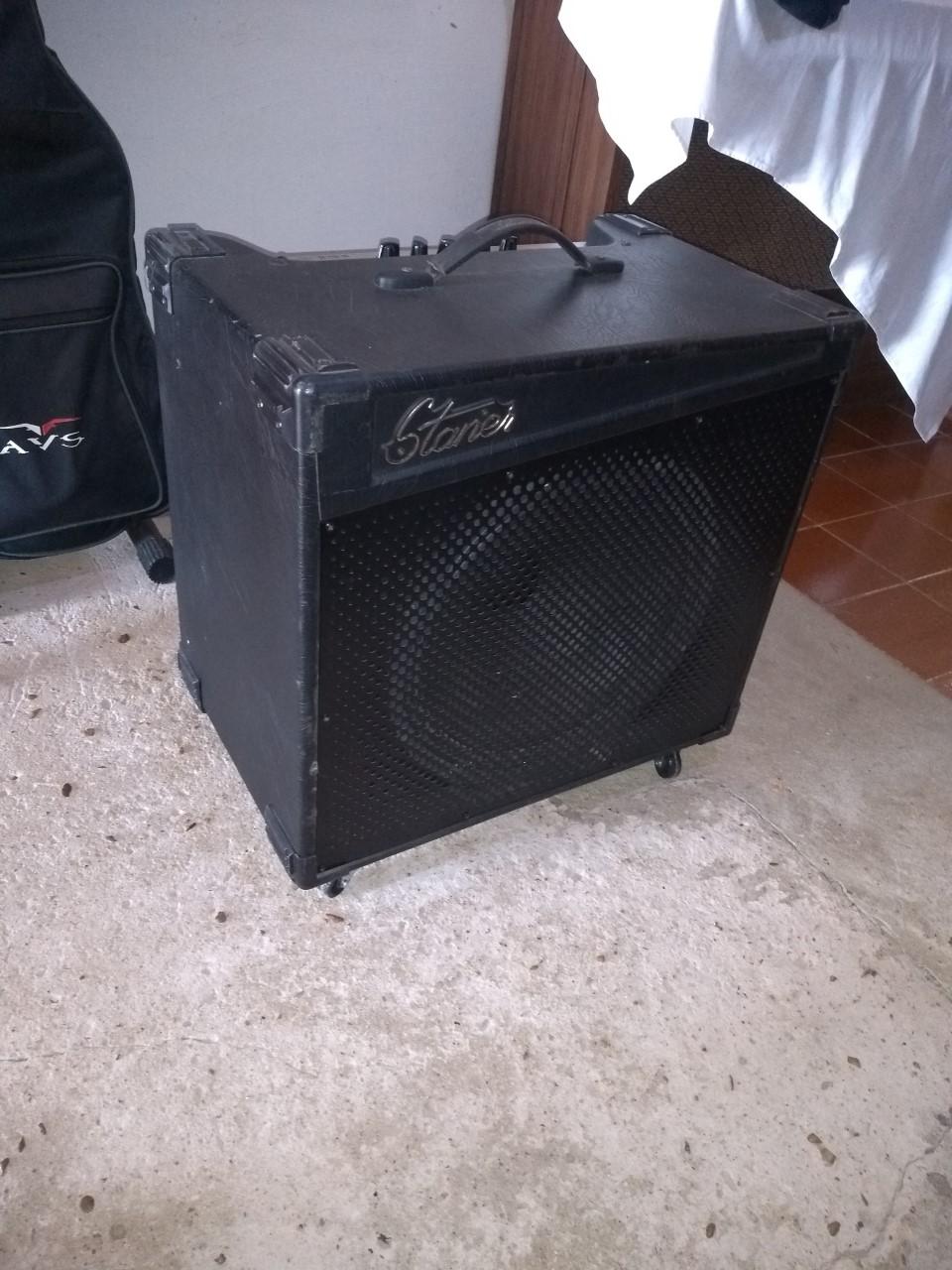 Anunciando para o meu irmão , Amplificador Staner Shout 215B Filé !!! Staner10