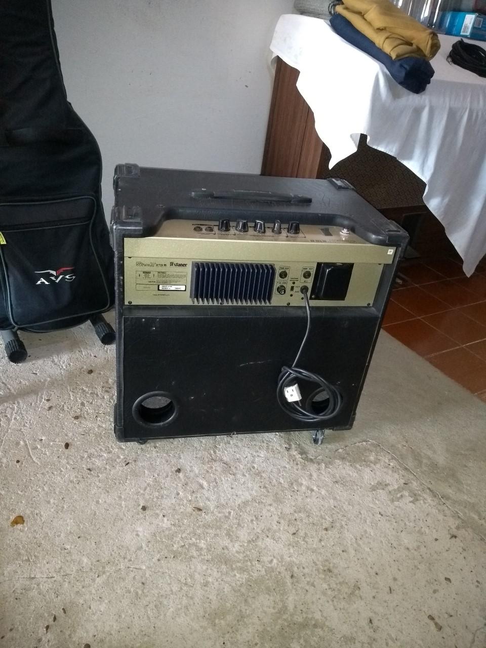 Anunciando para o meu irmão , Amplificador Staner Shout 215B Filé !!! Staner12