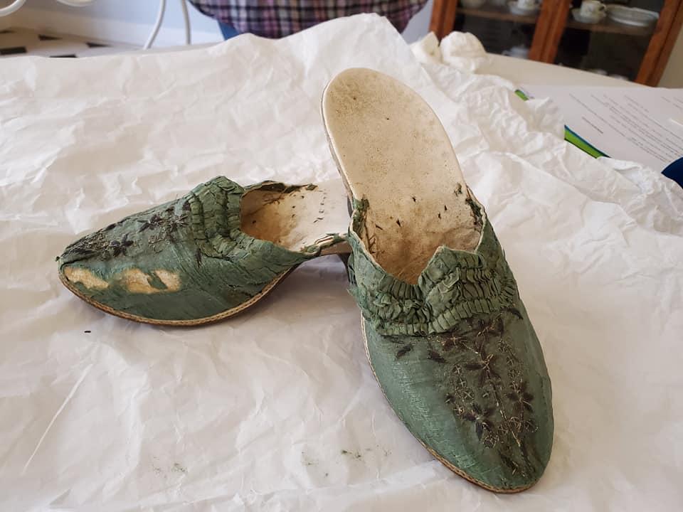 Les souliers et chaussures de Marie-Antoinette  - Page 5 10993410