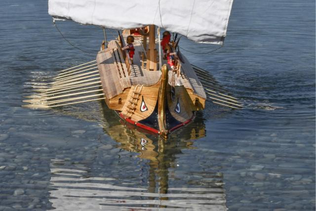 Bireme grecque navigante (scratch) de fabrice guillot Bireme12