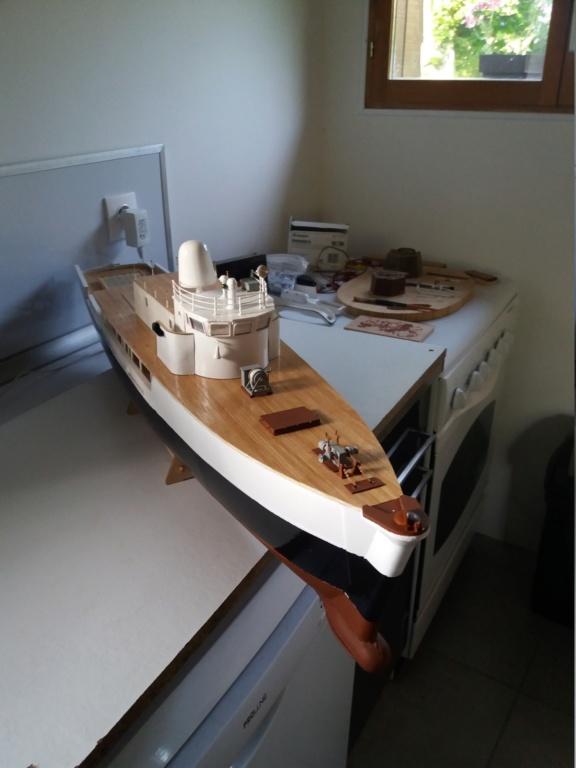 Calypso (Billing Boats 1/45°) par APRUZ - Page 2 Envoi_10