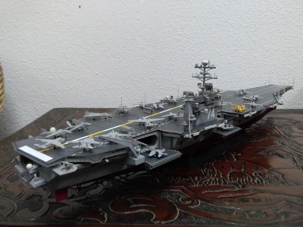 Porte-avions USS JOHN STENNIS CVN-74 (1/700) Img_2013