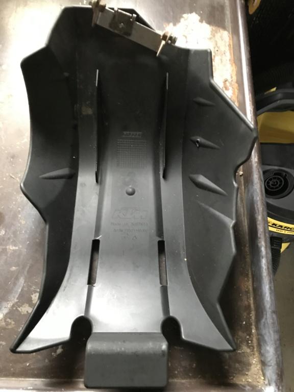 Sabot plastique KTM Img_2211