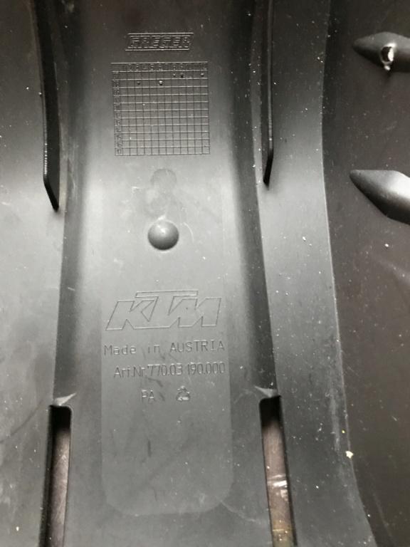 Sabot plastique KTM Img_2212