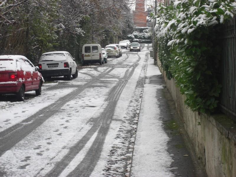 Dossier sur l'épisode neigeux du 26/12/08 à Toulouse Cimg0017