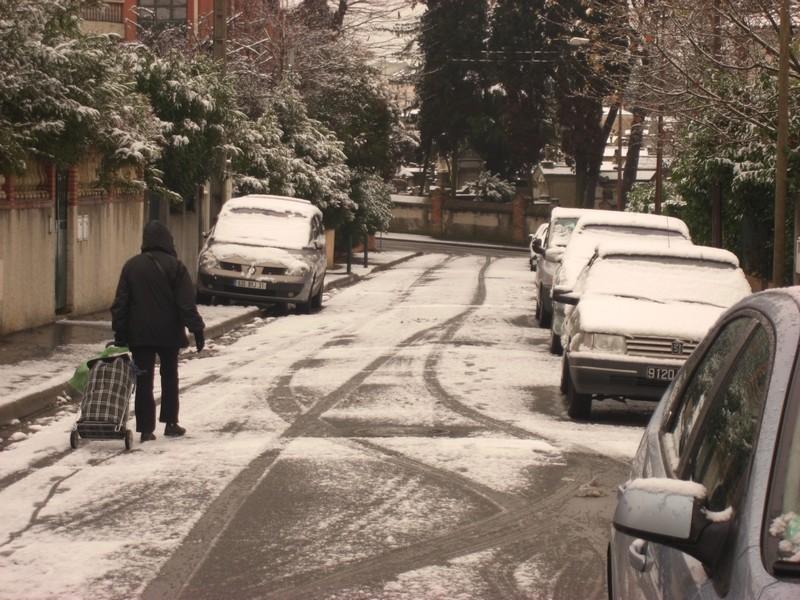 Dossier sur l'épisode neigeux du 26/12/08 à Toulouse Cimg0024