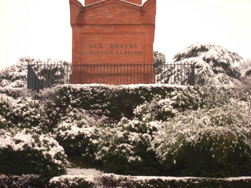 Dossier sur l'épisode neigeux du 26/12/08 à Toulouse Cimg0030