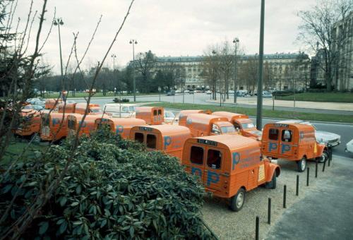 Photos et cartes postale 2cv camionnette  - Page 2 Ak_40010