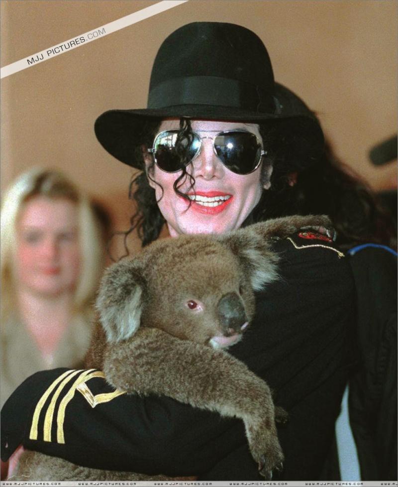 Collection MJ-Story : Michael et les animaux ^^ Adelai10