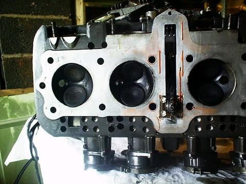 Culasse percée refoidissement moteur, une tite tof d'un Z Xr_69_12