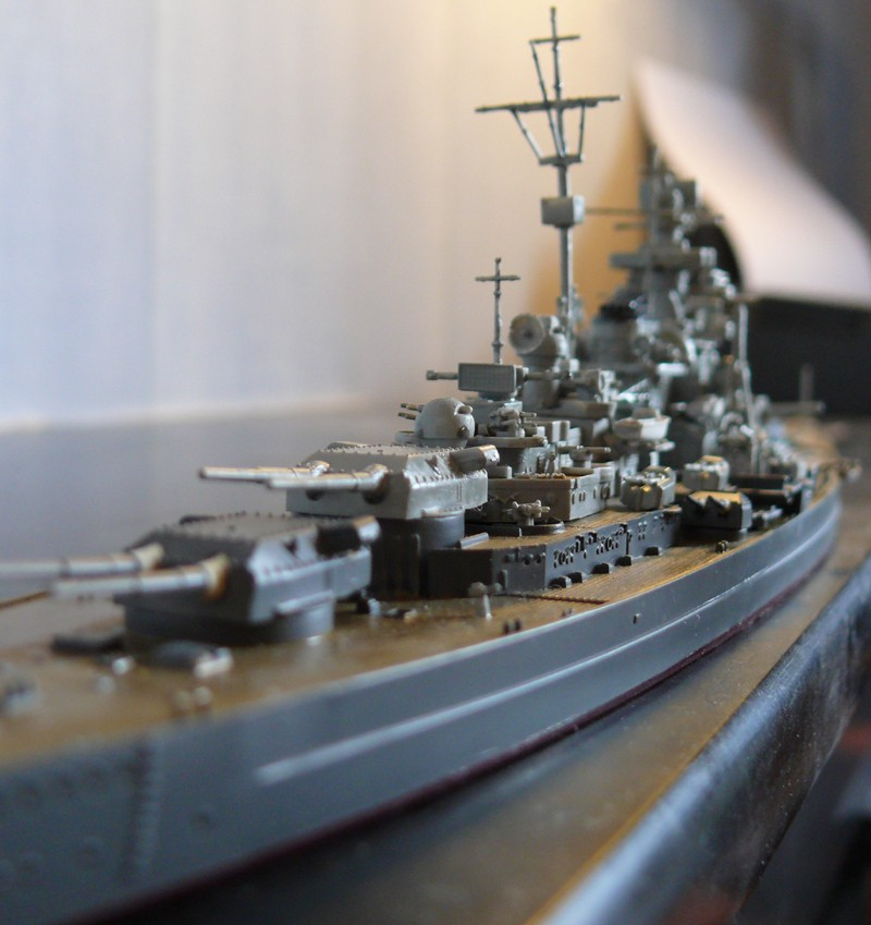 tirpitz - DKM Tirpitz 1944 par Yuth au 1/700 - trumpeter Tirpit13
