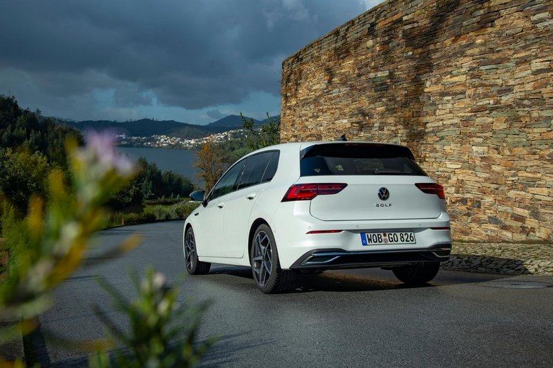 2020 - [Volkswagen] Golf VIII - Page 7 2020-v23