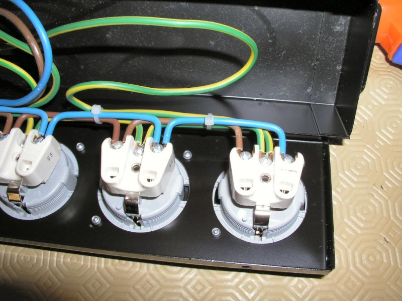 Construção de Filtro de Rede com 5 tomadas e Proteção... - Página 2 Pb220010