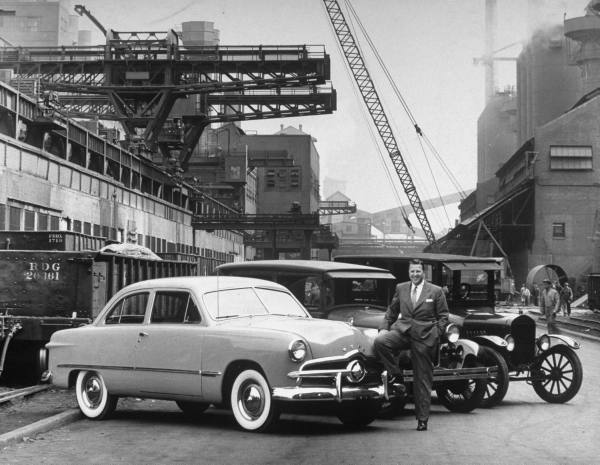 vieille photos  de voitures de tous genre . A1zcs511
