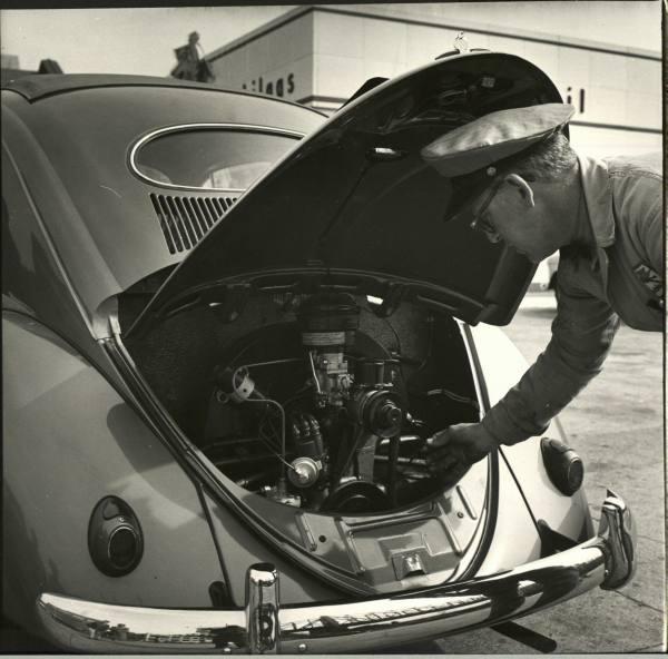 vieille photos  de voitures de tous genre . A6jyrn10