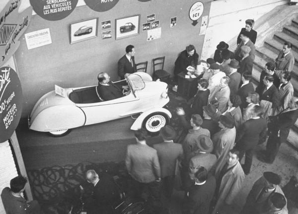 vieille photos  de voitures de tous genre . Ac8g1v10