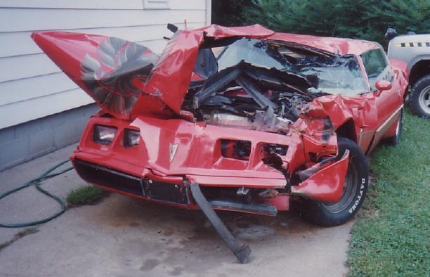 photos de voitures et camions accidentés Accide11