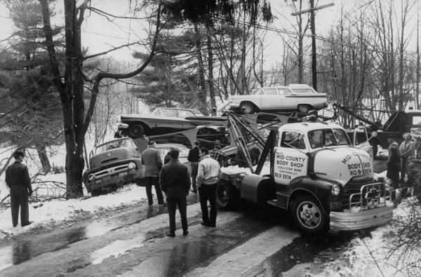 photos de voitures et camions accidentés Aes86t10