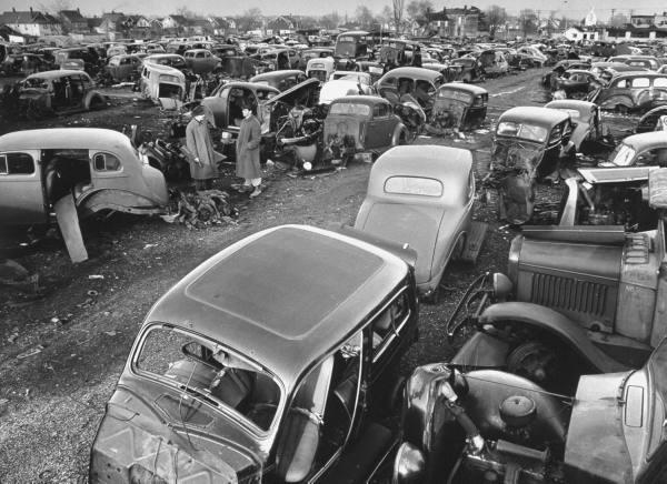 vieille photos  de voitures de tous genre . Ak957n10