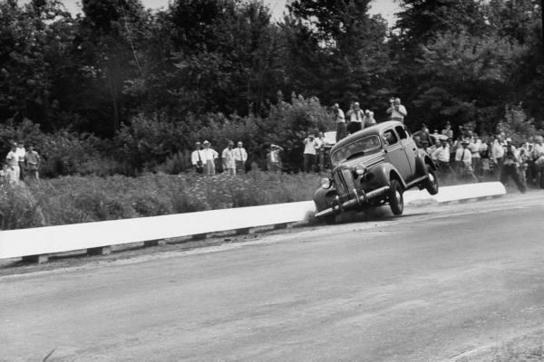 vieille photos  de voitures de tous genre . Aodccd10