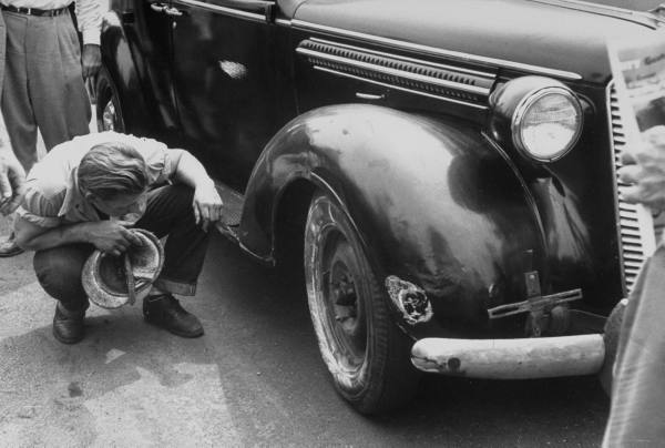 vieille photos  de voitures de tous genre . Aq21qw10