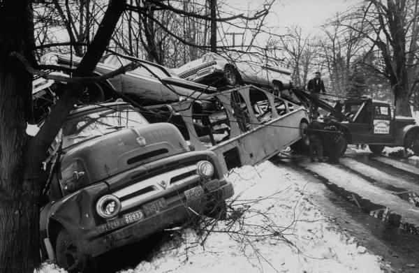 photos de voitures et camions accidentés Aqsnxk10