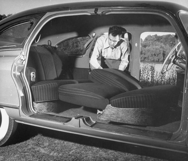 vieille photos  de voitures de tous genre . Argn7q10