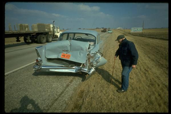 vieille photos  de voitures de tous genre . Ax5ari10
