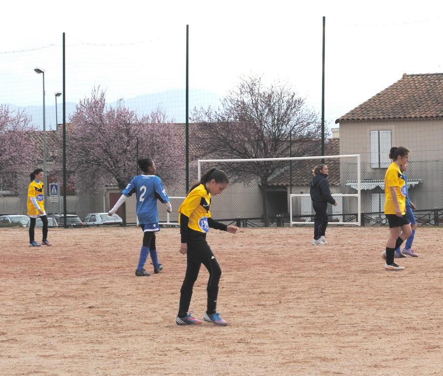 """LA SAINTE VICTOIRE DONNERA AU FC ROUSSET FOOT UN AVENIR """"SACREMENT """" GLORIEUX ! - Page 3 Dsc_0011"""